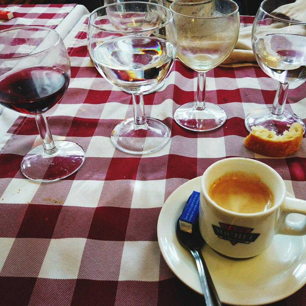 Le Campagnard #table #restaurant