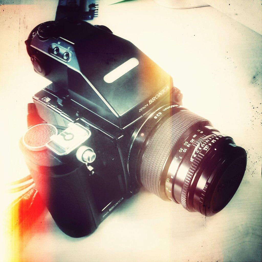 One more toy #cameraporn #etrsi #zenza bronica #medium format