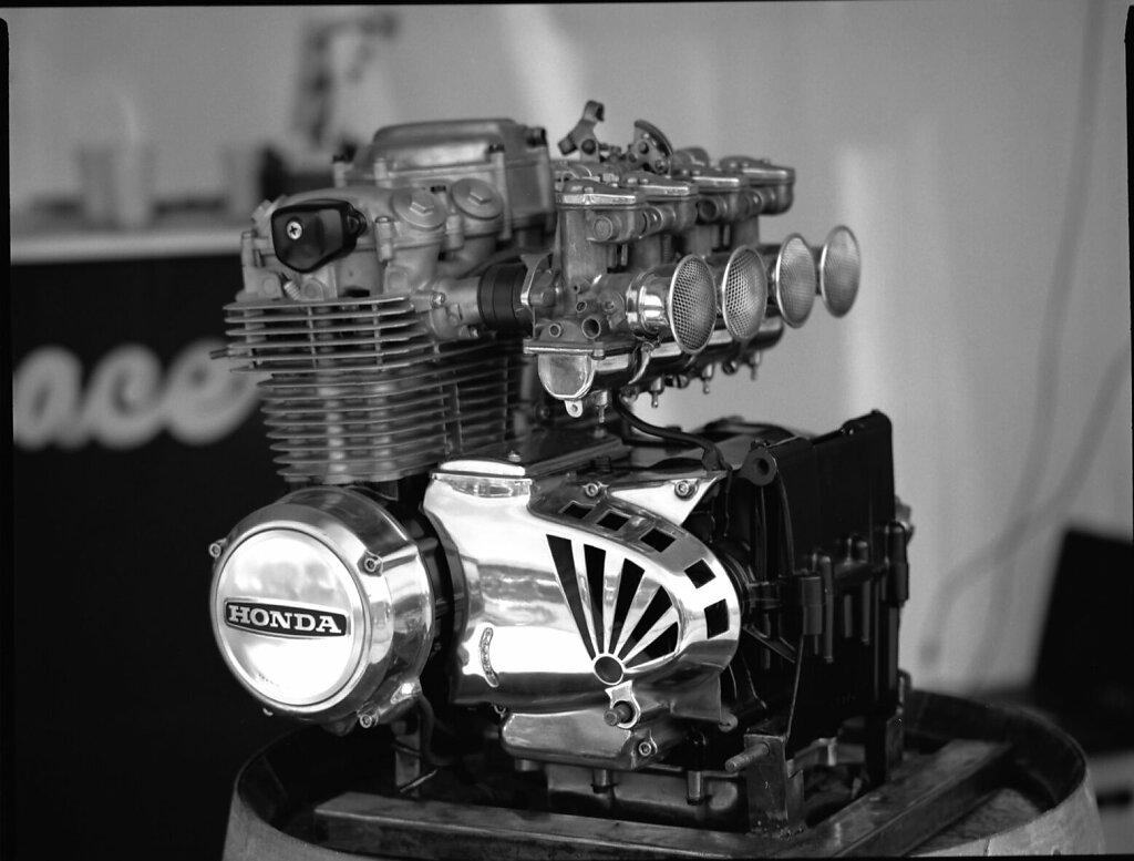 Motor #caferacer #caferacerfestival #bronica