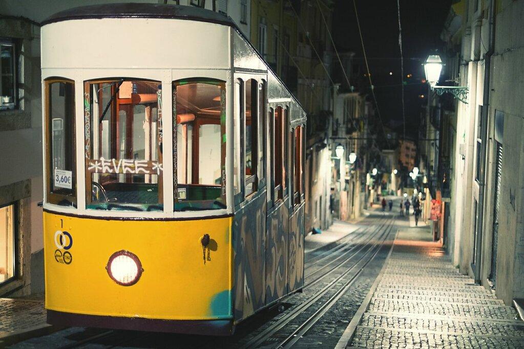 Elevator da Bica #Walking around #tramway #Fuji xpro1 #Lisbonne
