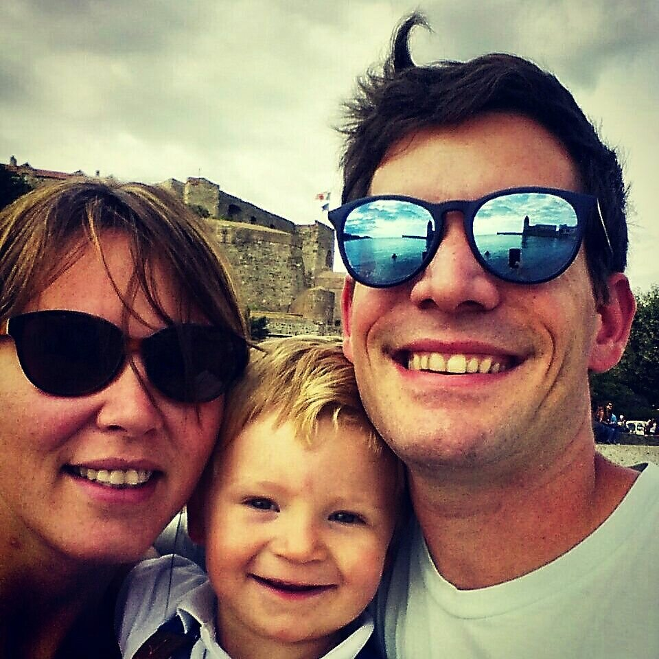 Sourire niais, coiffure alternative et selfie familial #Idontcare #itsmybirthday #reflet