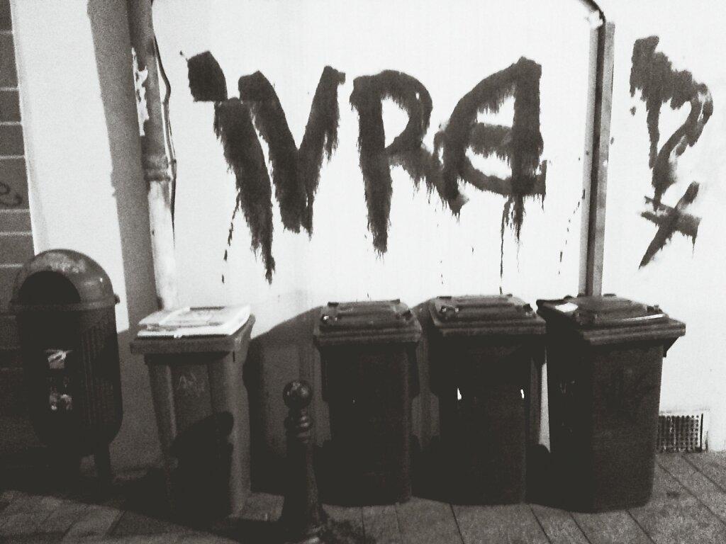IVRE !? #streetart