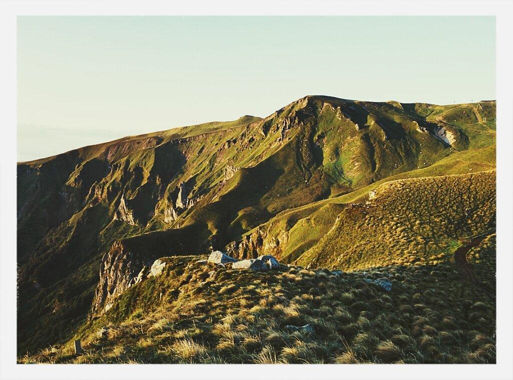 Lever de soleil sur la vallée de Chaudefour #Auvergne #sunrise