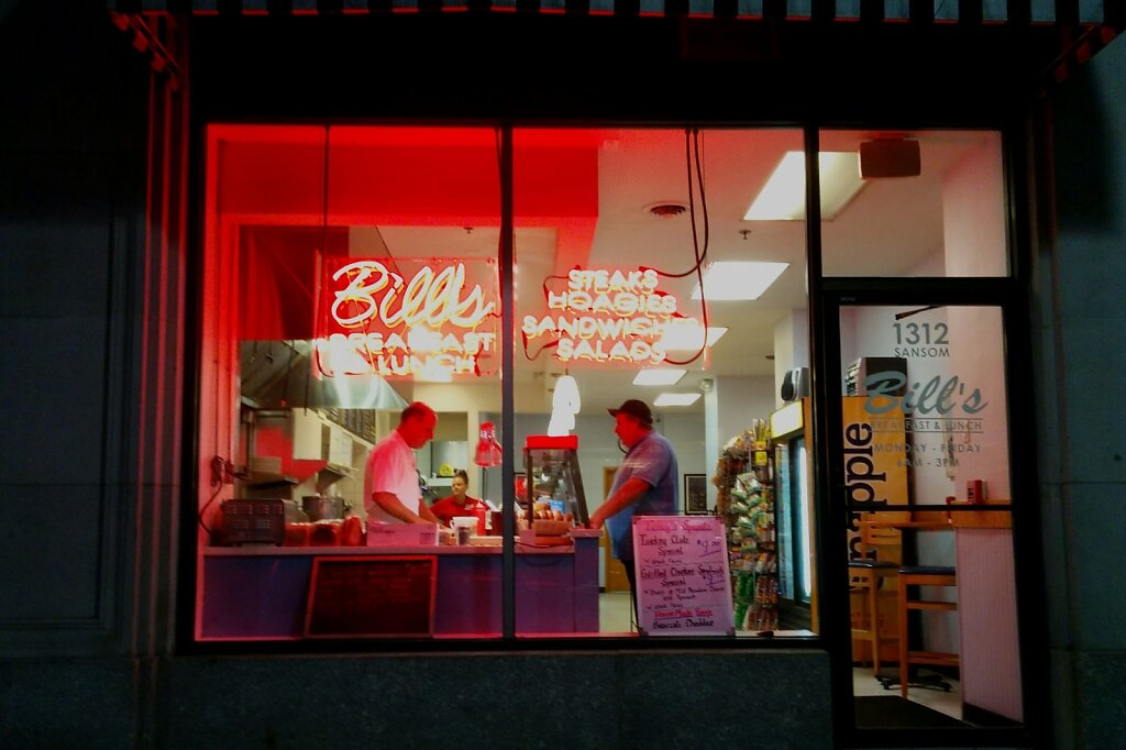 Bills #restaurant #Sandwiches #streetphotography #dawn