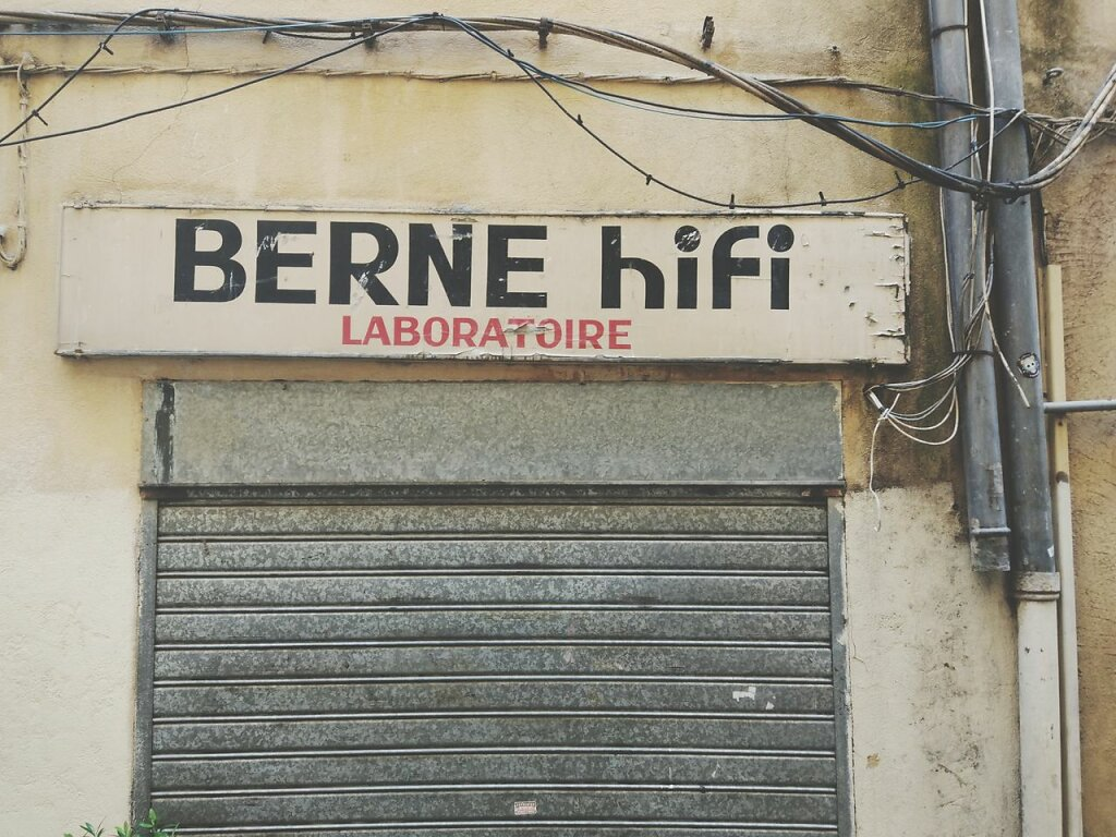 Berne Hifi #vitrine #enseigne #devanture #magasin #Aix-en-Provence #Hifi